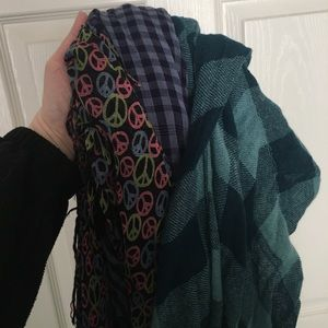 Accessories - Set of 3 Scarves